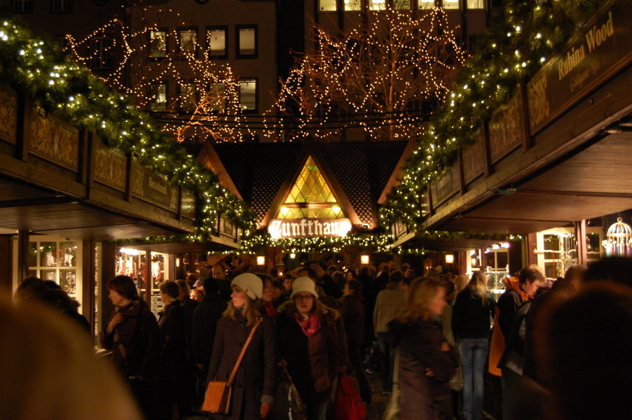 The market in the Altstadt (old town)
